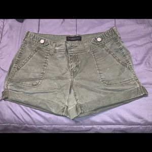 Aeropostale Midi Twill Shorts Size 2